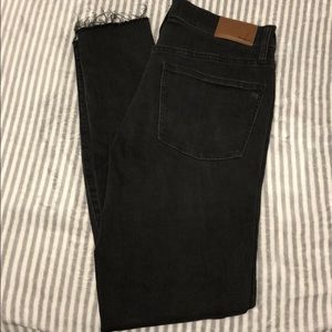 Women's black distressed jeans